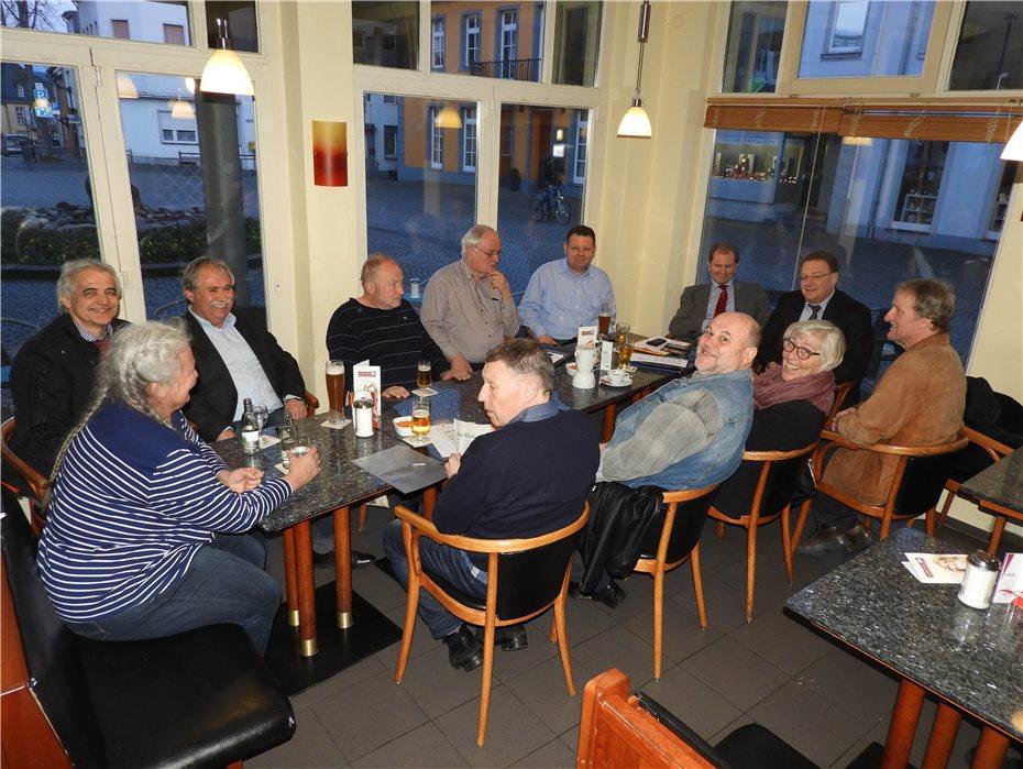Die FWG traf sich mit Vertretern aller im Stadtrat vertretenen Parteien für ein gemeinsames Schreiben an die Bahn