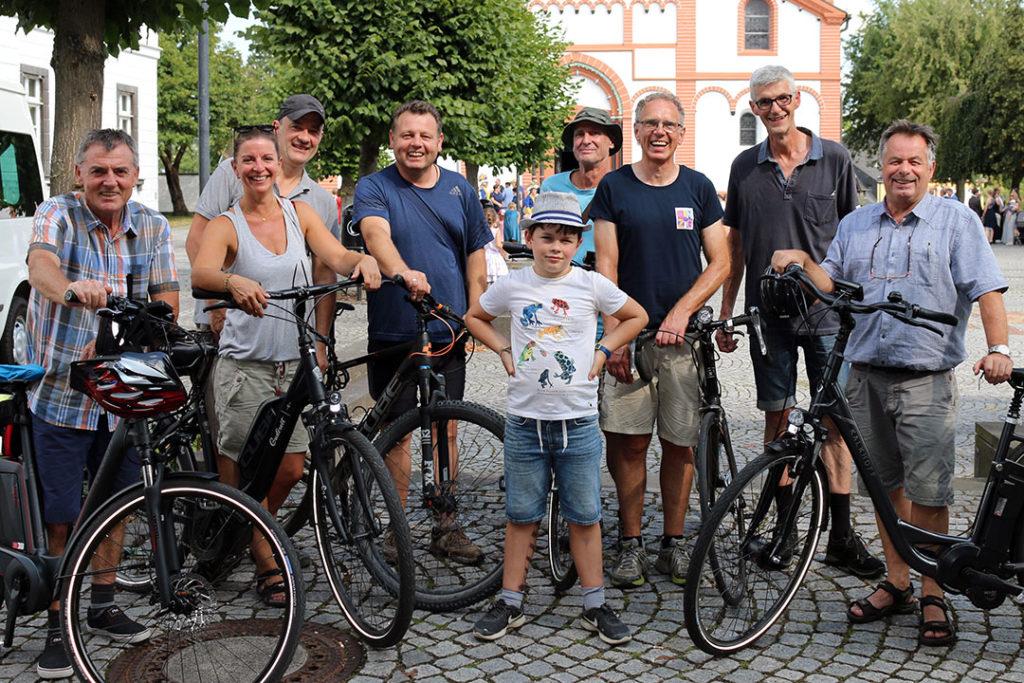 Ratsmitglieder der Freien Wähler Bürgerlsite Sinzig beteiligen sich bei der Aktion Stadtradeln
